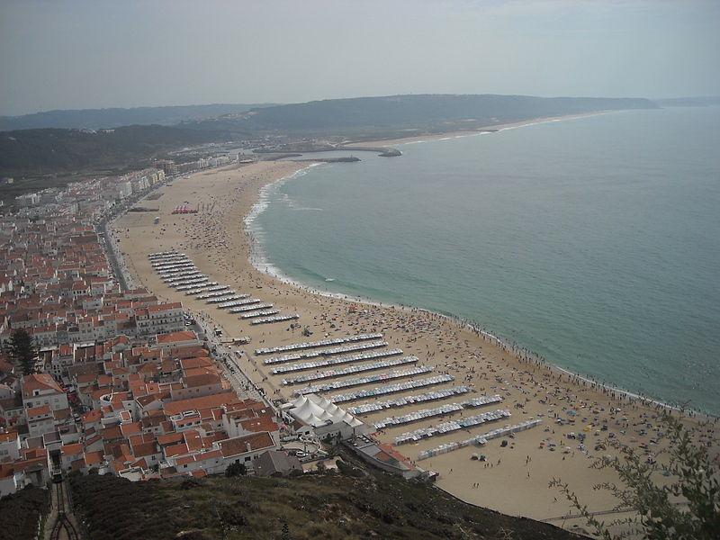 Пляж в Назаре, фото Pinkygirl