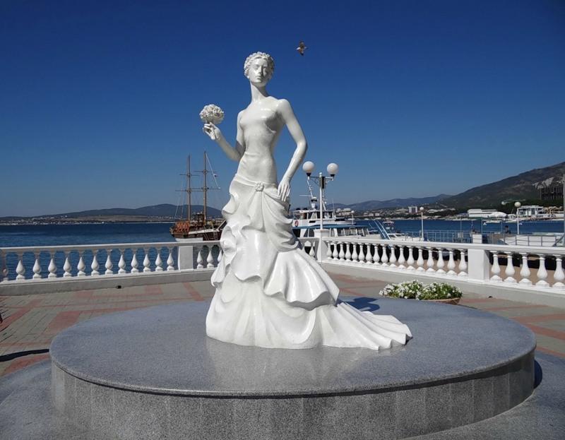 Геленджик статуя невесты