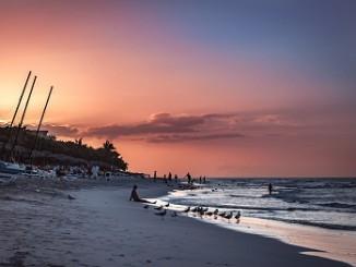 Рассвет на пляже, Корсика