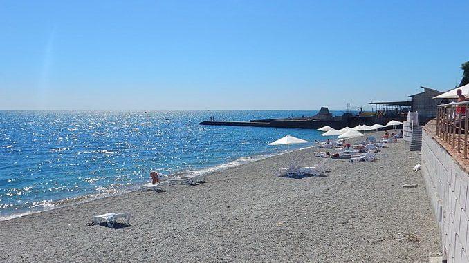 Пляж в Алуште, фото Roma Neus