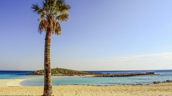 Пляж Нисси-Бей