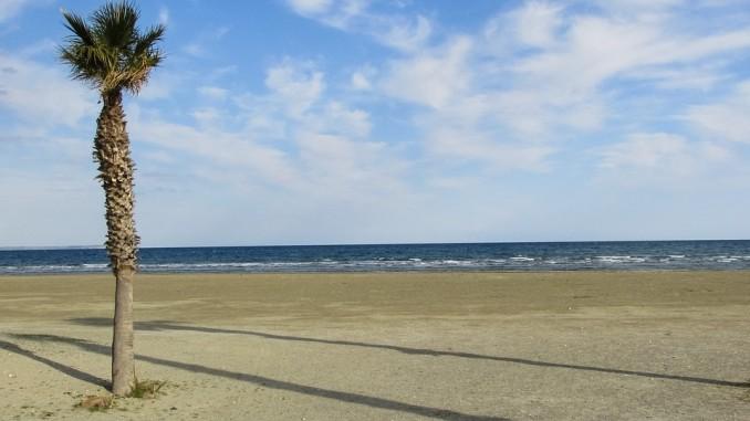 Пляж в Ларнаке