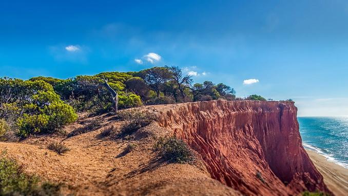 Красные скалы, Фалезия, Алгарве