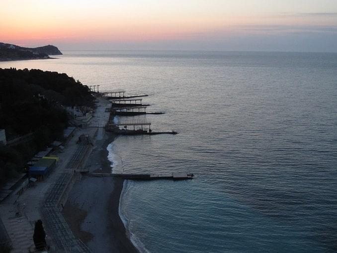 Пляжи в Кореизе, Большая Ялта в начале мая