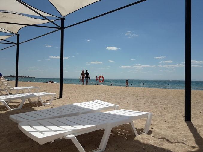 Отдых в Заозерном - на пляже