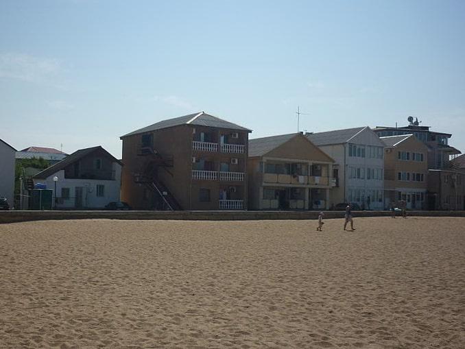 Саки, пляж