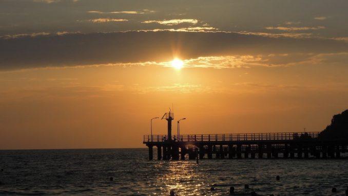 Море в Сочи - можно ли купаться в мае?