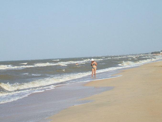 Пляж в Голубицкой, курорте на Азовском море