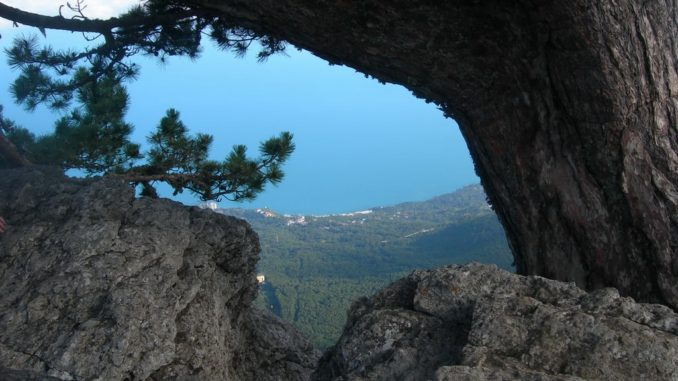 Крым, вид на Ялту и море
