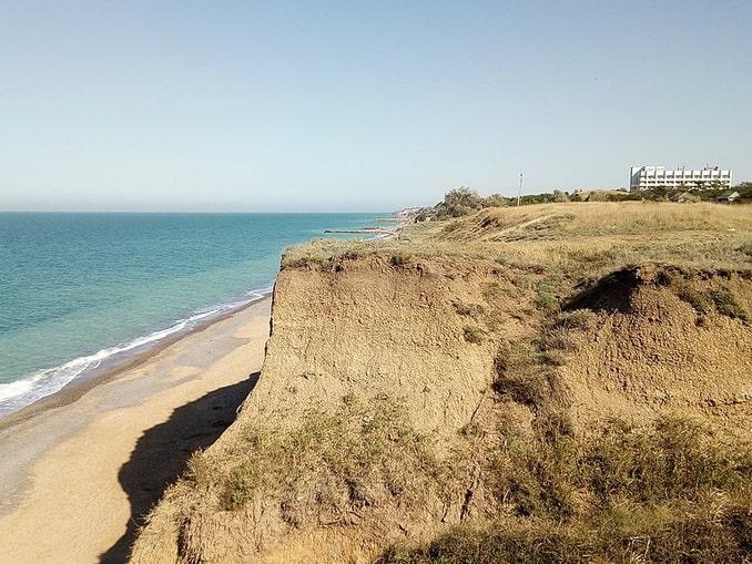Николаевка, берег моря за пансионатом «Большевик», фото Георгий Долгопский