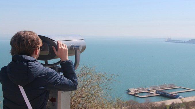Крым, вид на мост из Керчи