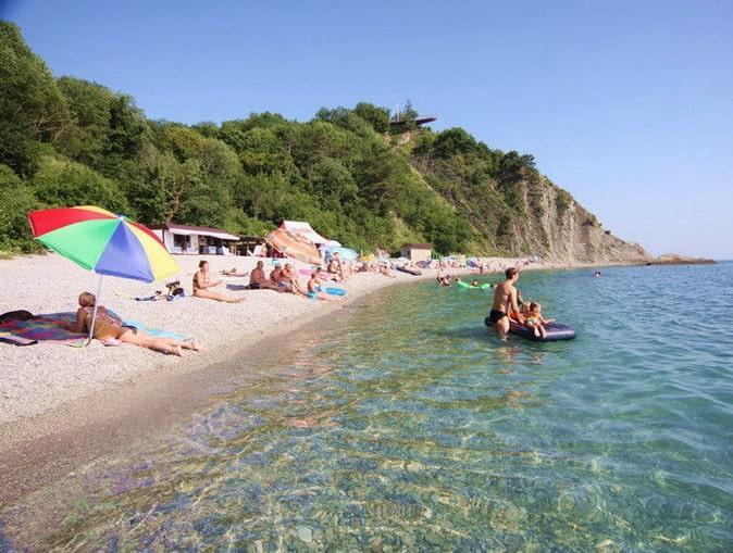 Пляж в бухте Инал, фото inal.okis.ru