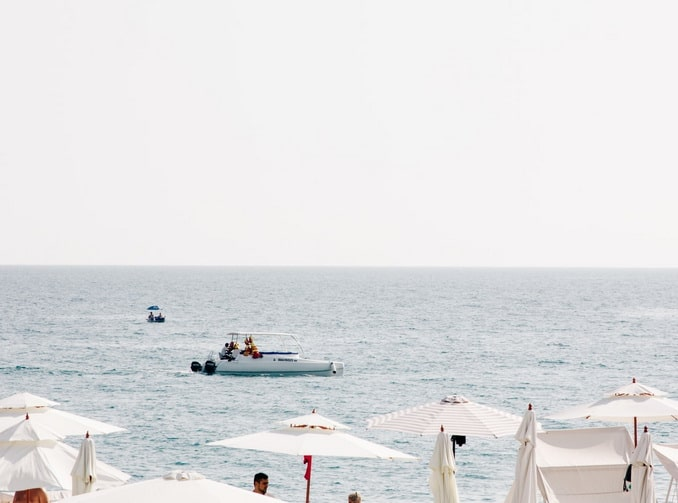 Сочи: тенты и море