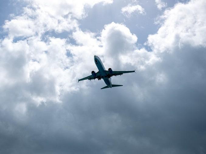 Улетающий самолет, Сочи