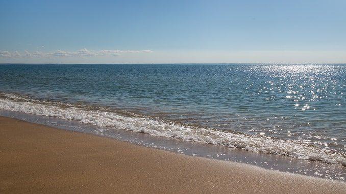 Пустынный Крым: пляж и море