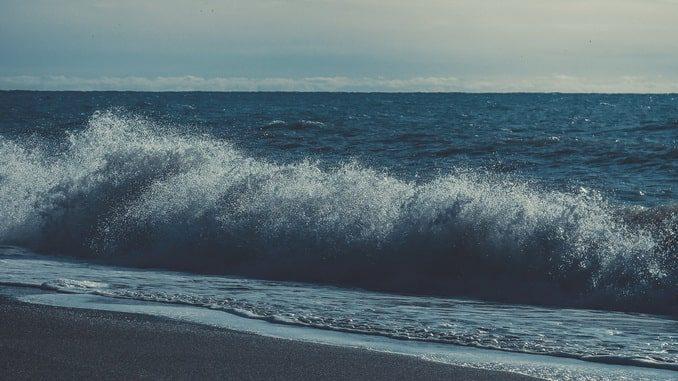 Море в Сочи в октябре