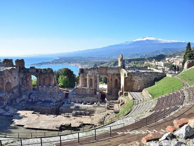 Таормина, Сицилия, вид на Этну
