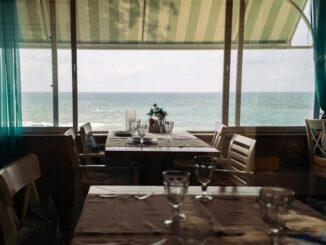 Сочи, ресторан с видом на море