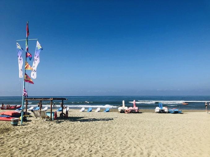 Пляж в Виареджо