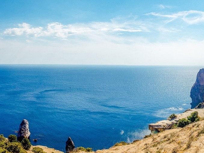 Черное море в Крыму в мае