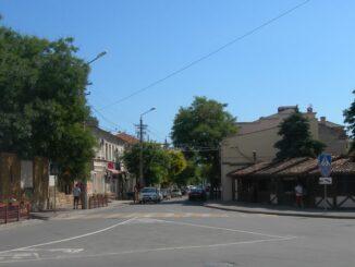 Евпатория в июне - возле старого города