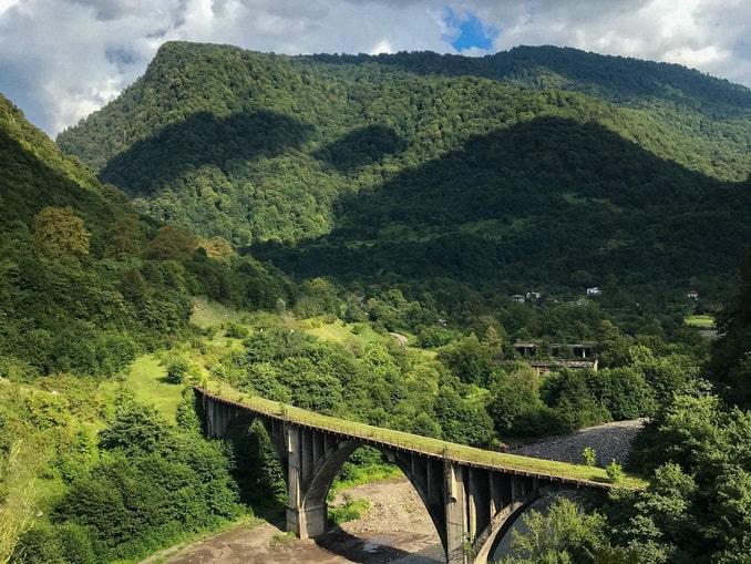 Горы в Абхазии в июле
