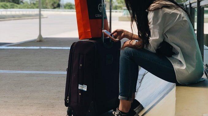 Туристка - что нужно взять с собой в Крым?