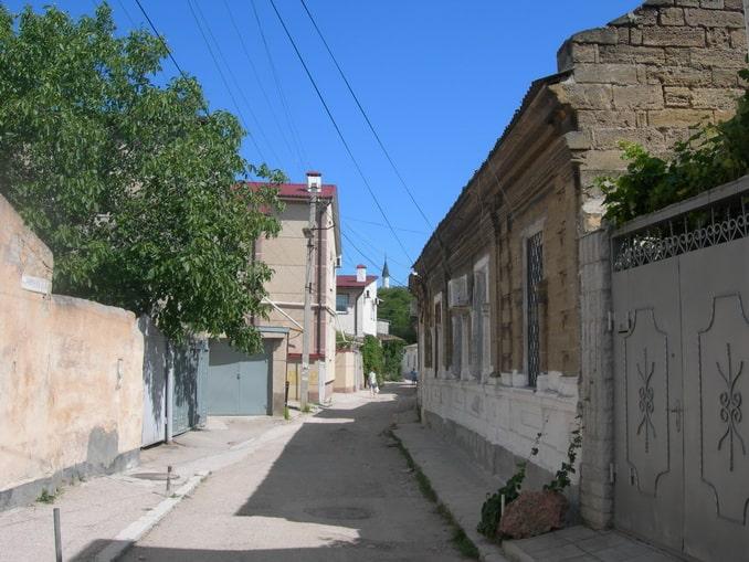 Старый город Евпатории в начале октября почти безлюден