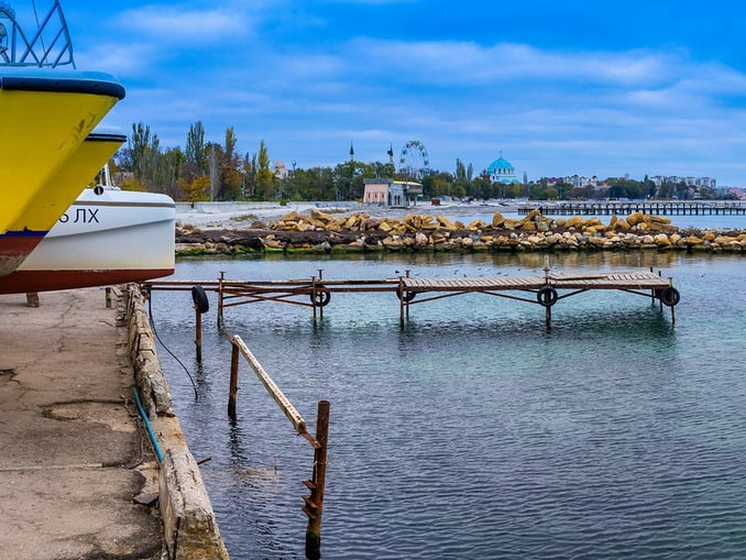Море в Евпатории в ноябре уже не подходит для купания