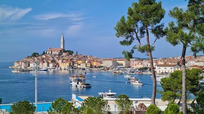 Ровинь - один из лучших курортов Хорватии на море