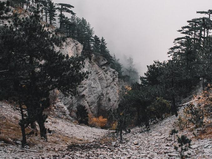 В горах под Ялтой ноябре бывает прохладно