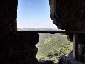 Пещерный город Чуфут-Кале находится в Бахчисарае